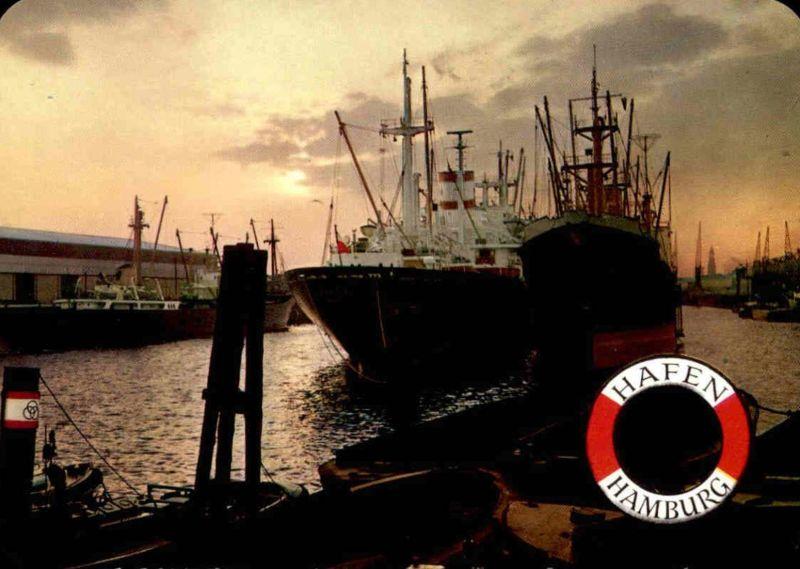 ÄLTERE POSTKARTE HAMBURG IM HAFEN ABENDSTIMMUNG harbour port puerto Fähre Dampfer Schiff ship Ansichtskarte