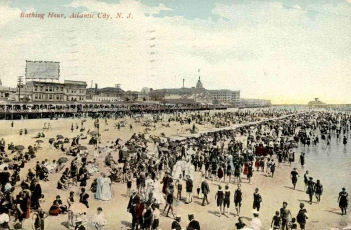 ALTE POSTKARTE ATLANTIC CITY BATHING HOUR BATH beach plage Strand Badeanzug clothes swimsuit cpa postcard Ansichtkarte