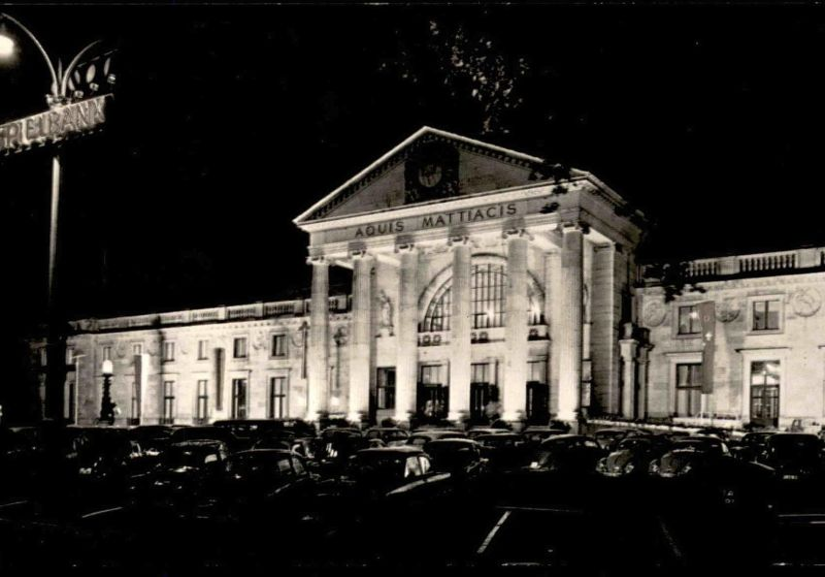 ÄLTERE POSTKARTE WIESBADEN BEI NACHT KURHAUS SPIELBANK Casino Kasino at night nuit AK Ansichtskarte cpa postcard