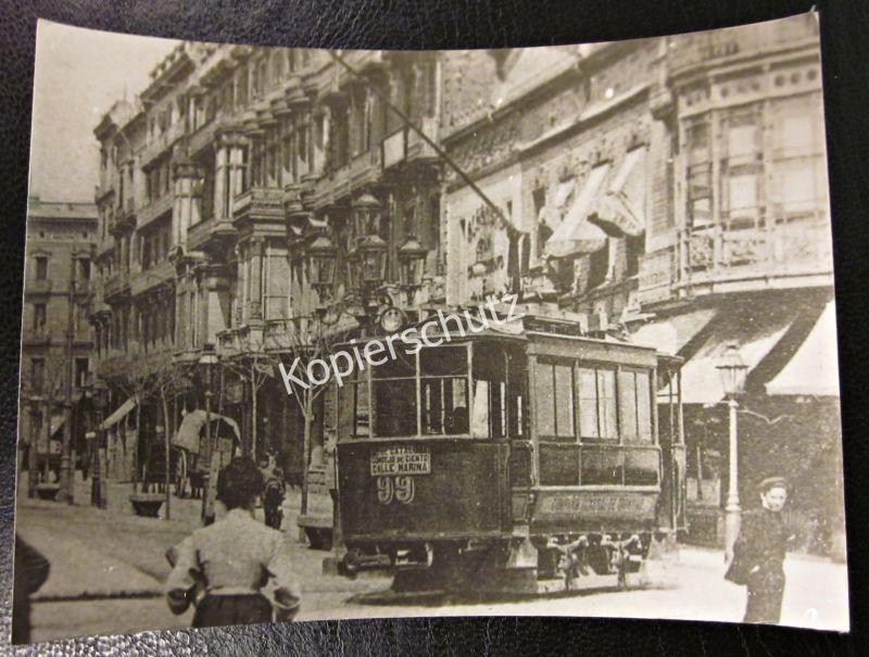 Foto Abzug Replica Straßenbahn um 1900 in Barcelona Spanien