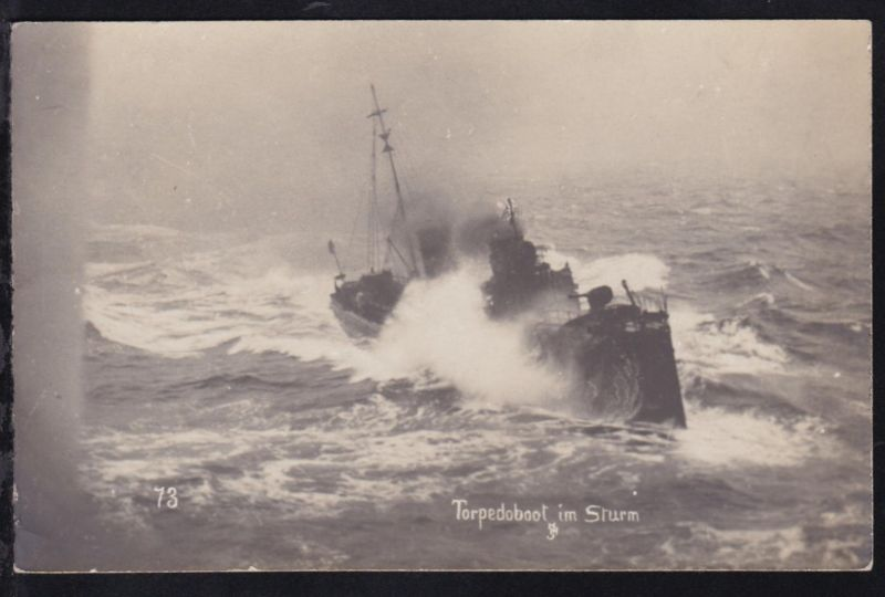 Torpedoboot im Sturm