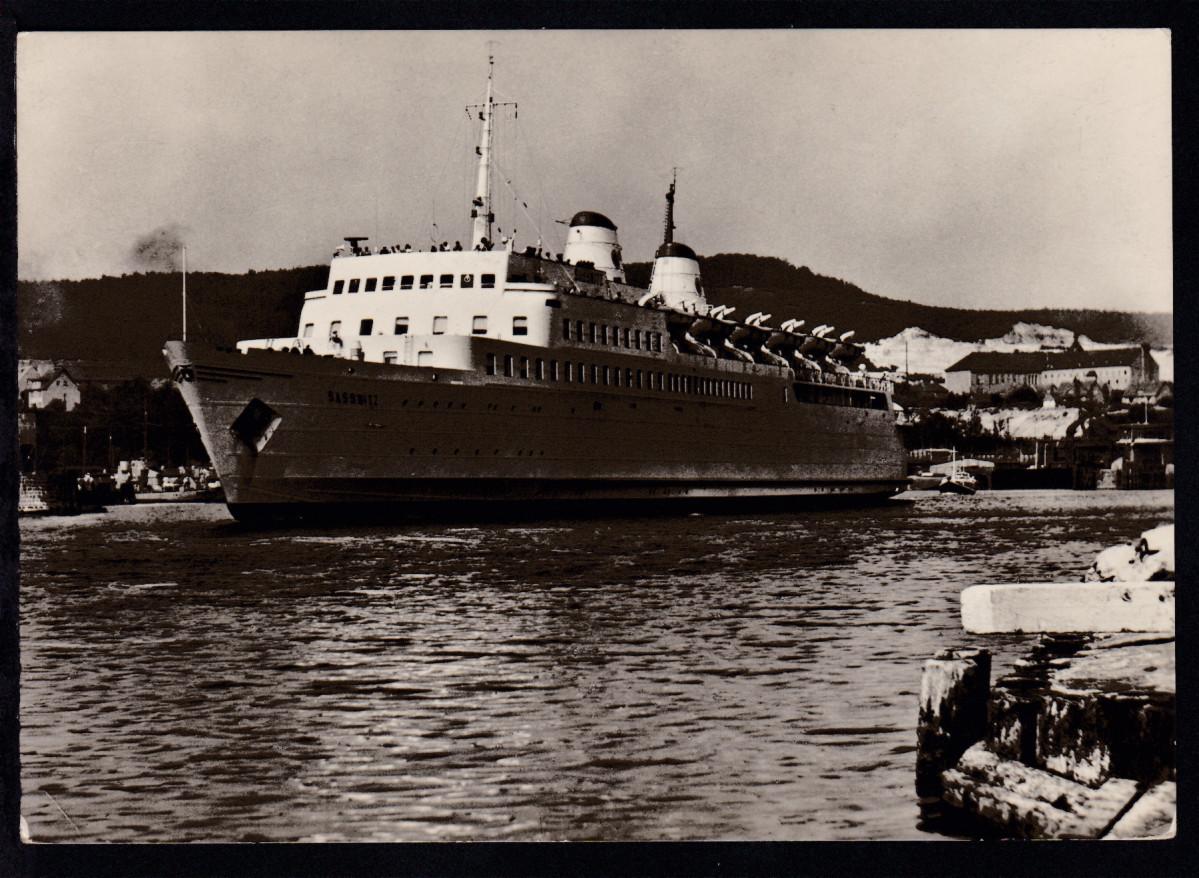 SASSNITZ-TRELLEBORG TRELLEBORG POSTAD OMBORD 5.4.60 auf AK (Fährschiff Sassnitz) 1