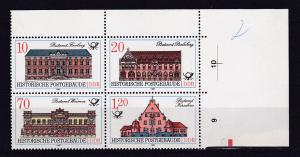 Historische Postgebäude Eckrand-Viererblock rechts oben**