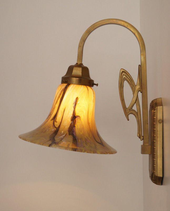 Sehr elegante Jugendstil Art Déco Wandlampe Messing Landhaus edel Opalglas