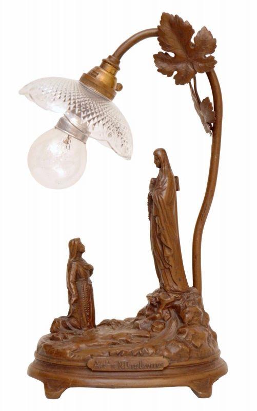 Antike sakrale Jugendstil Tischleuchte Heilige von Lourdes Pilger um 1920