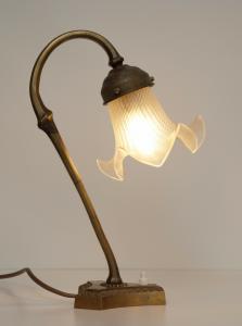 Sehr elegante original Jugendstil Messinglampe Frankreich