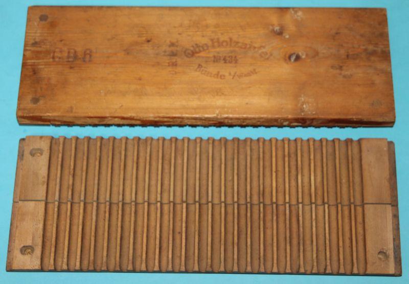 Alte Zigarrenpresse Holz. Otto Holzapfel NO. 434 Bünde i. / Westfalen ( CD 6 ) 1