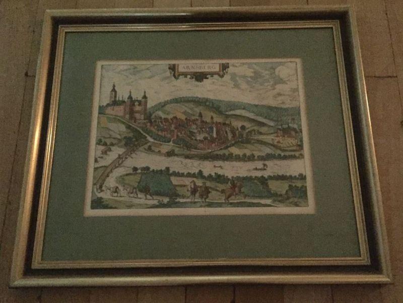 Braun, Georg und Frans Hogenberg. Arnsberg. Gesamtansicht von Westen mit dem Schloss vom anderen Ufer der Ruhr aus, rechts Kloster Winckhusen.