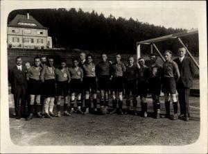 Foto Fußballmannschaft vor einem Tor stehend, Gruppenfoto, SAA