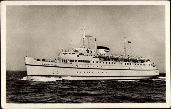 Ak Fährschiff Deutschland in Fahrt, Ansicht Backbord