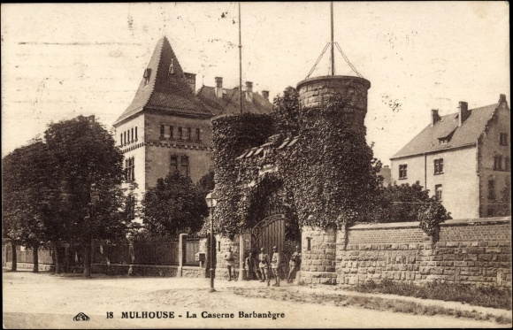 Ak Mülhausen Elsaß Haut Rhin, La Caserne Barbanègre, Blick zur Kaserne