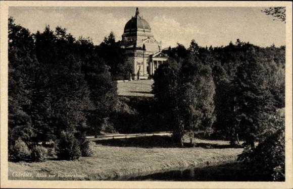 Ak Görlitz Oberlausitz, Blick vom Gewässer auf die Ruhmeshalle