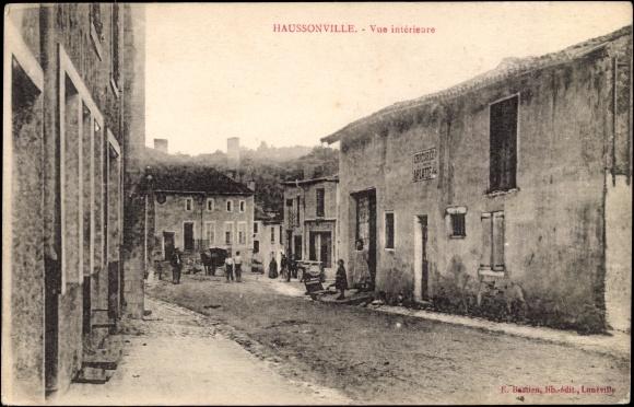 Ak Haussonville Meurthe et Moselle, Straßenpartie, vue interieure