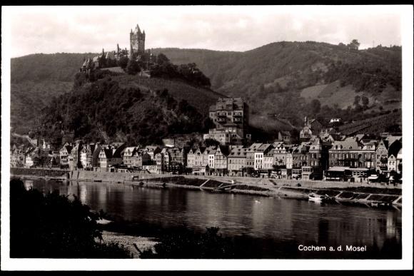 Ak Cochem a.d. Mosel, Flusspartie mit Stadtblick und Burg