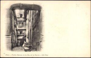 Ak Vitré Ille et Vilaine, Vieilles Maisons de la Rue de la Poterie, Tor