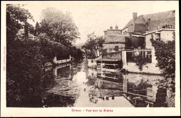 Ak Dreux Eure et Loir, Vue sur la Blaise, Flusspartie, Gebäude am Wasser