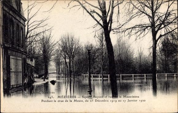 Ak Mézières Ardennes, Square bayard et rue de la Macierenne pendant la crue 1920