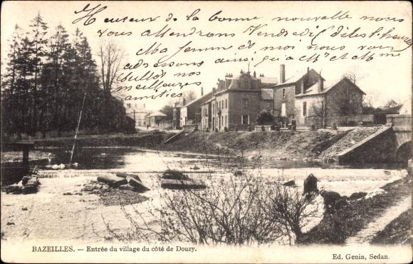 Ak Bazeilles Ardennes, Entrée du village du côte de Douzy