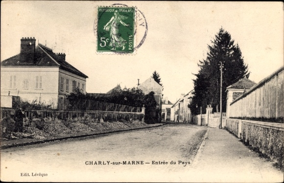 Ak Charly sur Marne Aisne, Entrée du Pays, Einfahrt in den Ort