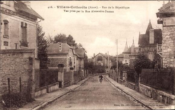 Ak Villers Cotterêts Aisne, Rue de la République, Vue prise par la Rue Alexandre