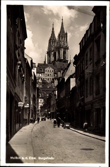 Ak Meißen in Sachsen, Blick in die Burgstraße mit Blick zur Kirche, Handkarren