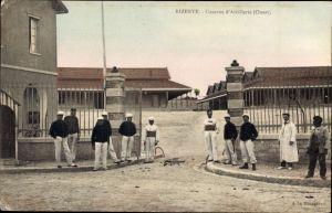 Ak Bizerte Tunesien, Caserne du 3e Artillerie, Soldaten, Artillerie Kaserne