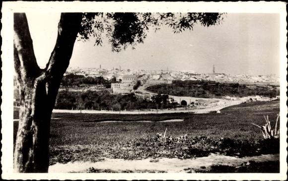 Ak Meknès Marokko, Vue generale, Blick auf den Ort, HHäuser