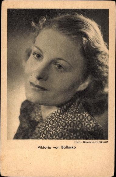 Ak Schauspielerin Viktoria von Ballasko, Portrait, Bavaria Film