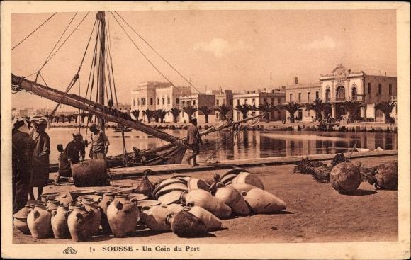 Ak Sousse Tunesien, Un coin du Port, Hafenpartie, Tongefäße, Häuser
