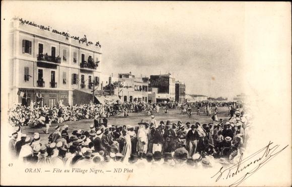 Ak Oran Algerien, Fête au Village Nègre, Volksfest auf dem Platz
