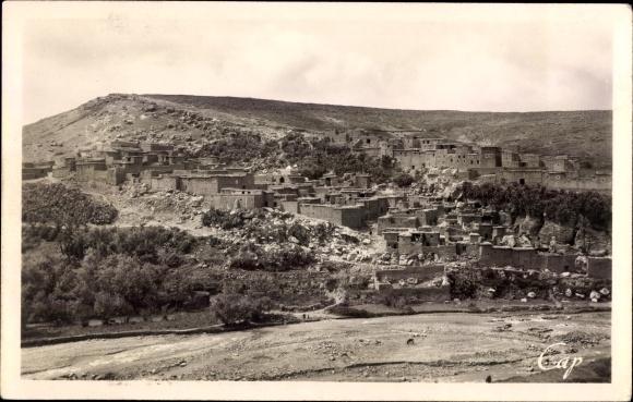 Ak Tahnaout Marokko, Vue generale, Blick auf den Ort in der Landschaft