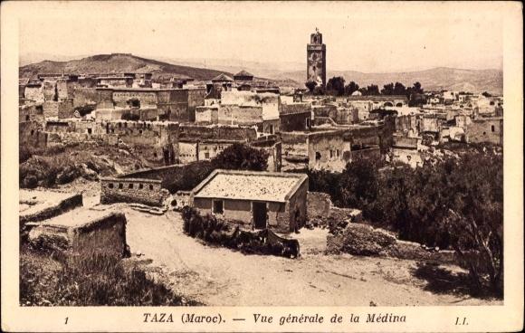 Ak Taza Marokko, Vue generale de la Medina, Blick auf den Ort, Minarett
