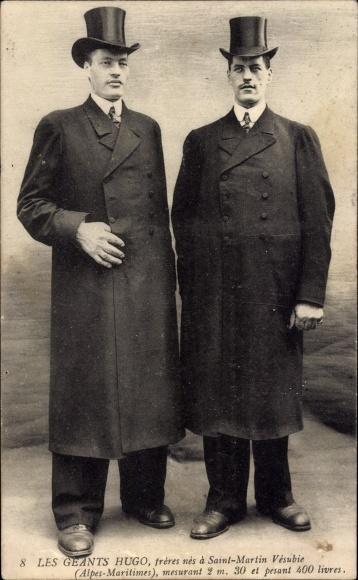 Ak Les Géants Hugo, Frères nés à Saint Martin Vésubie, 2.30m hauteur