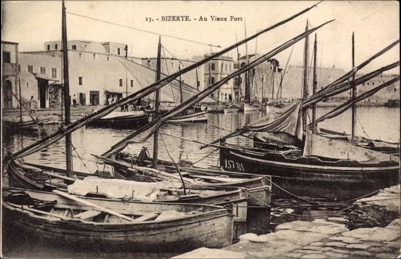 Ak Bizerte Tunesien, Au Vieux Port, Schiffe, Uferpromenade, Gebäude