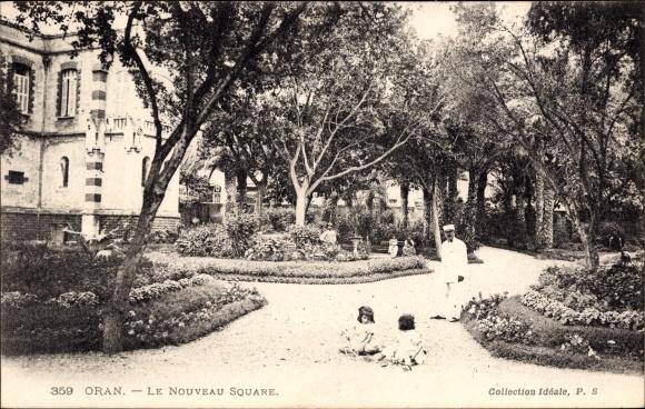 Ak Oran Algerien, Le Nouveau Square, Parkanlage mit Kindern