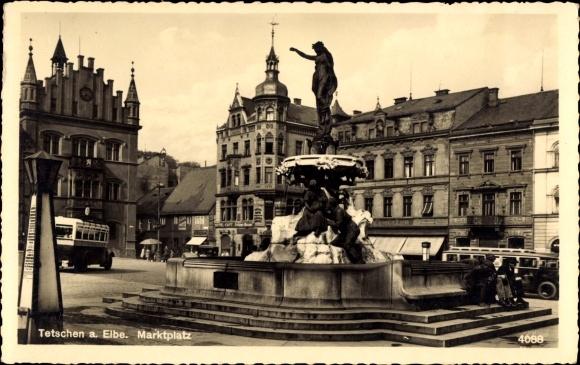 Ak Děčín Tetschen Bodenbach Elbe Reg. Aussig, Blick auf den Marktplatz