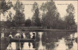Ak Moncoutant Deux Sèvres, Paysage sur la Sèvre, Ruderboot im Fluss