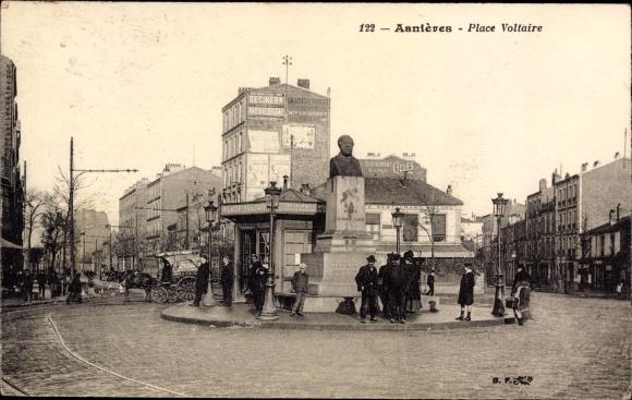 Ak Asnières sur Seine Hauts de Seine, Place Voltaire, Statue