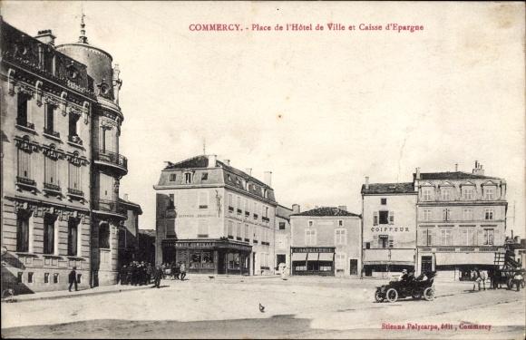 Ak Commercy Meuse, Place de l'Hôtel de Ville et Caisse d'Epargne