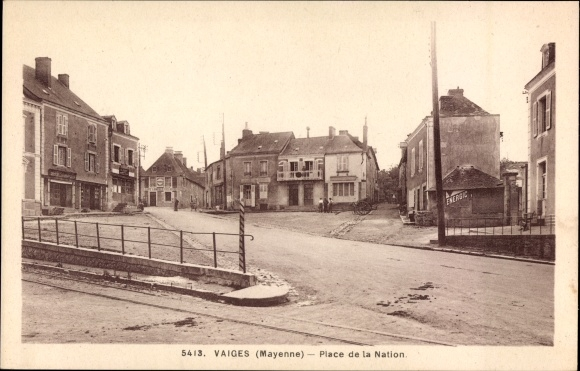 Ak Vaiges Mayenne, Place de la Nation, Platz im Ort