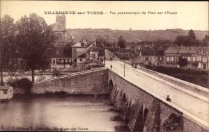 Ak Villeneuve sur Yonne, Vue panoramique du Pont sur l'Yonne