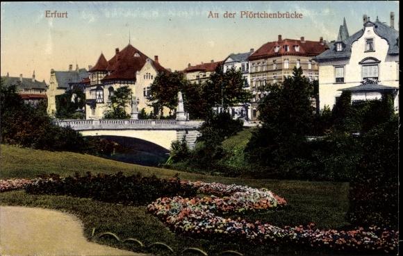 Ak Erfurt in Thüringen, An der Pförtchenbrücke, Grünanlagen