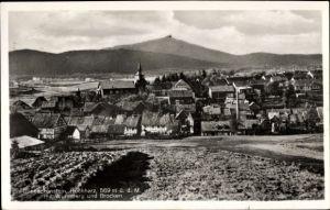 Ak Benneckenstein Oberharz am Brocken, Blick auf den Ort mit Wurmberg, Brocken