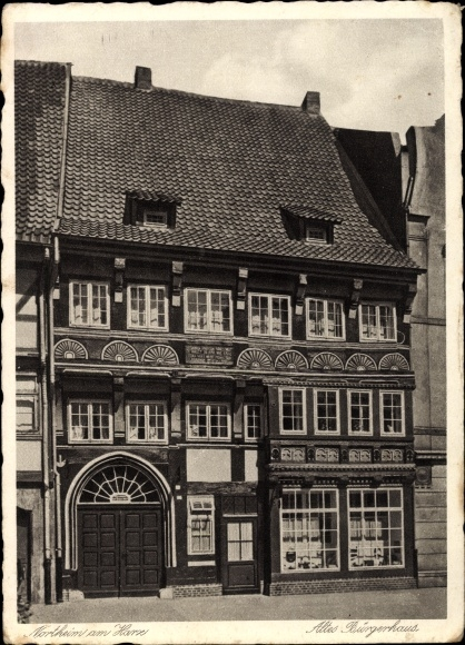 Ak Northeim in Niedersachsen, Altes Bürgerhaus von außen gesehen