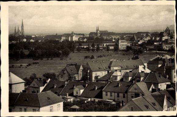 Ak Olomouc Olmütz Stadt, Gesamtansicht der Stadt, Hausdächer, Kirchtürme