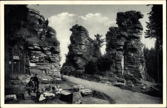 Ak Ehrenfriedersdorf im Erzgebirge, Partie an den Greifensteinen, Felsen