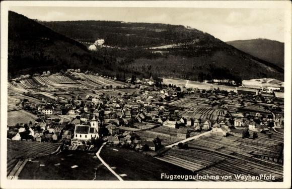 Ak Weyher in der Pfalz, Gasthaus Zum Löwen, Emil Ziegler, Fliegeraufnahme