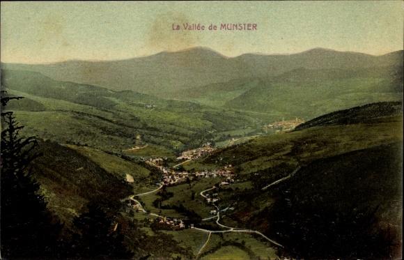 Ak Munster Münster Elsaß Haut Rhin, La Vallée de Munster, Blick auf den Ort