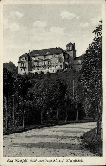 Ak Bad Hersfeld in Hessen, Blick vom Kurpark auf Wigbertshöhe, Weg