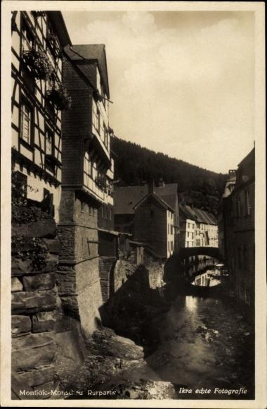 Ak Monschau Montjoie in der Eifel, Rurpartie, Brücke, Häuser